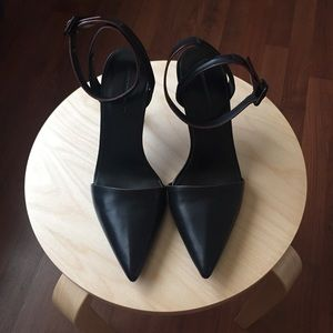 Alexander Wang Lovisa Pumps in Black